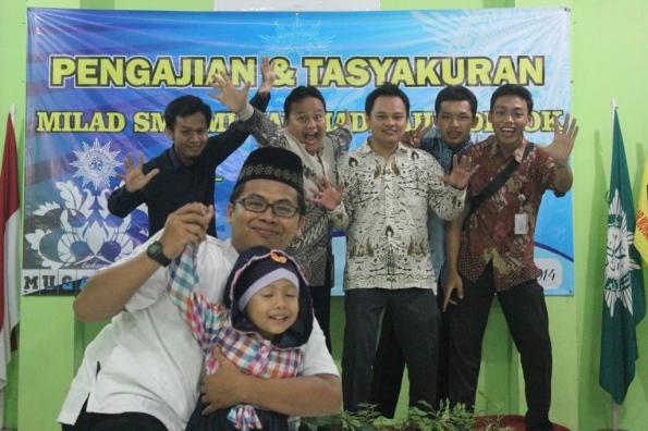 Foto bersama Ustadz 'Outbond'